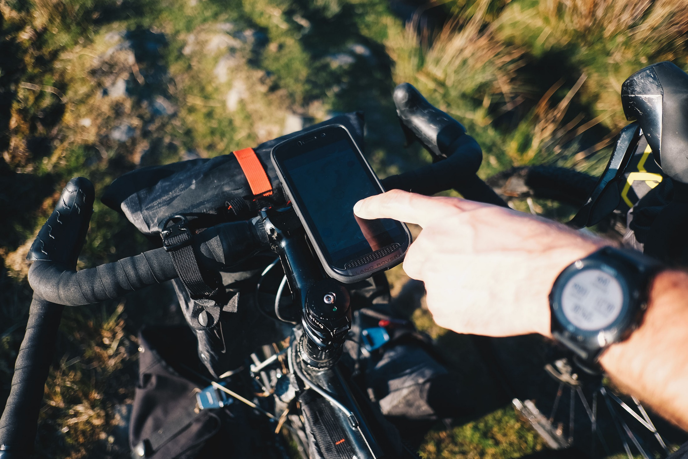 Using the Explore phone with your bike | Land Rover Explore